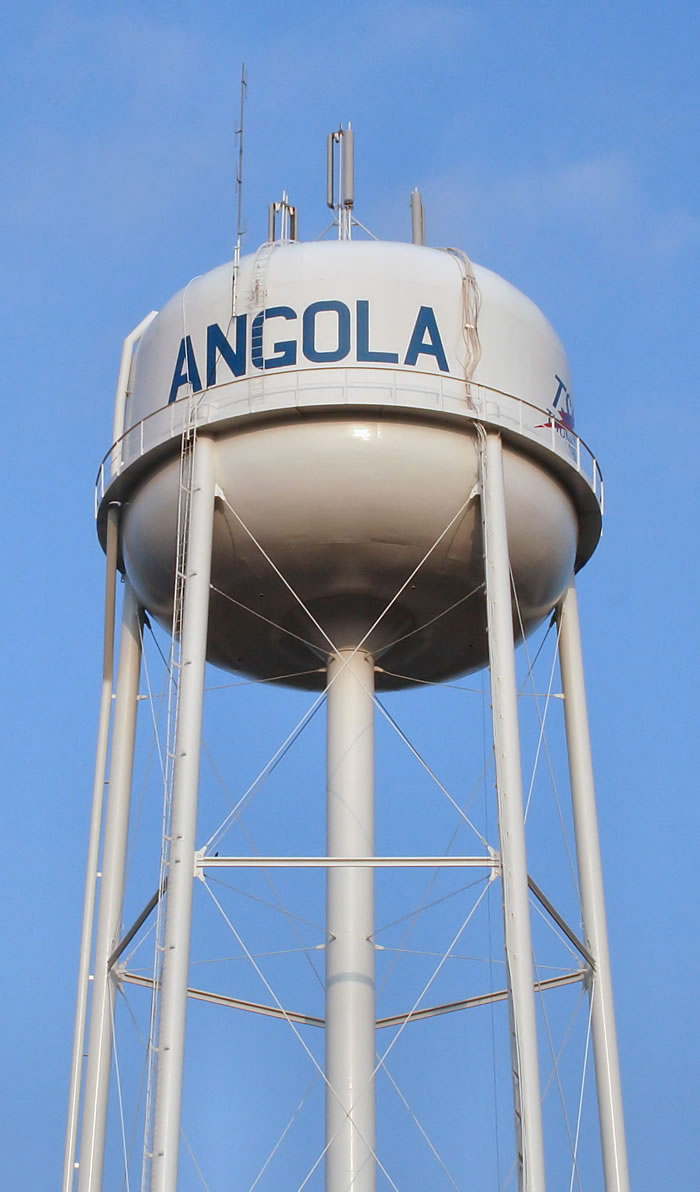 Angola-indiana-water-tower