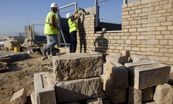 The Construction Industries Federation (CIF) and the Metal and Allied Namibian Workers Union (Manwu) recently signed a joint agreement on new employment conditions for the construction industry which includes minimum wage for construction sector workers in Namibia