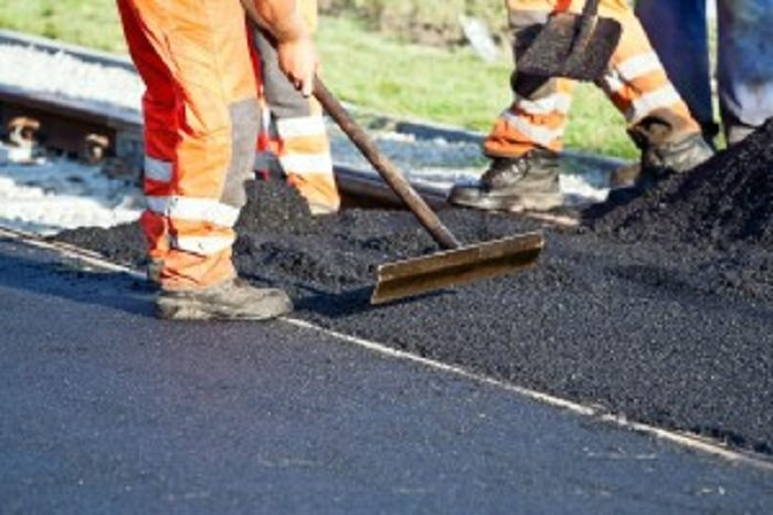 Ghana signs US $81.67m for Eastern Corridor road project