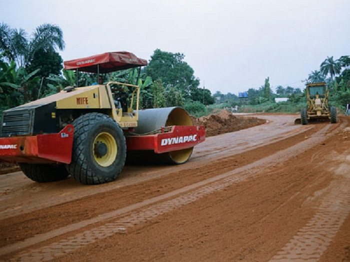 Governor launches construction of roads in Nigeria