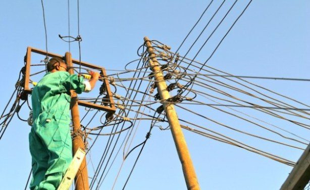 Tanzania banks on rural electrification plan to connect a million people