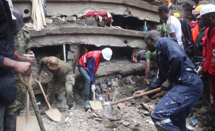 Building in Kenya collapses after evacuation