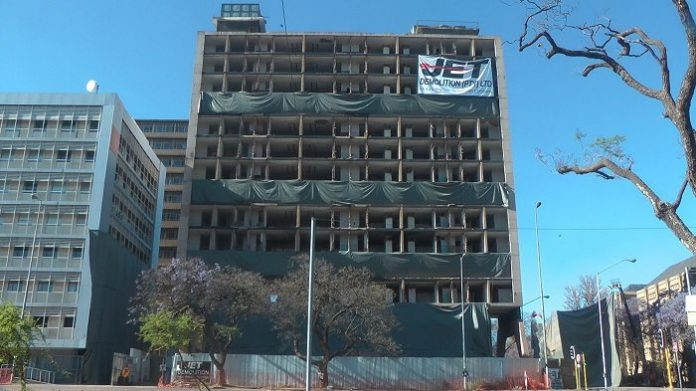 The HG de Witt building was originally a hotel, later a hostel for the SA Police, and was vacant since 1994. A decision was taken by the South African Department of Public Works