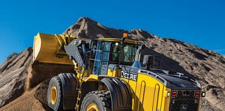 John Deere intros 844K-III and Aggregate Handler config with improved hydraulics, buckets