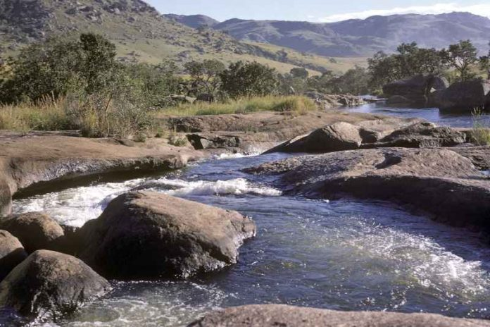 Water crisis in Mozambique as major reservoir drops in water levels