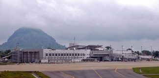 Nigerian Minister to resign if deadline to reopen Abuja Airport is missed