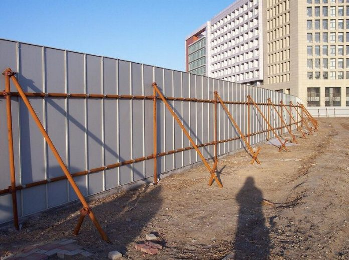 Benefits to Install Portable Fence for Construction Site