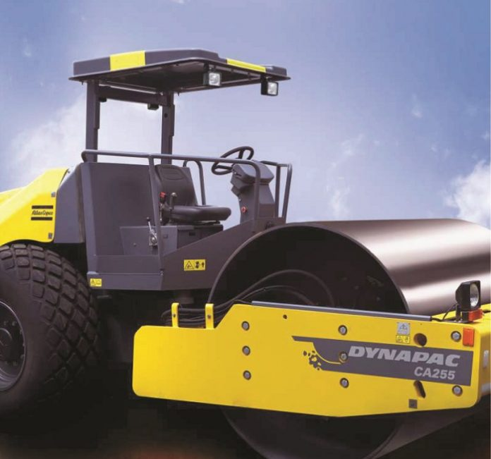 This is how the Dynapac Soil Compactor Rolls
