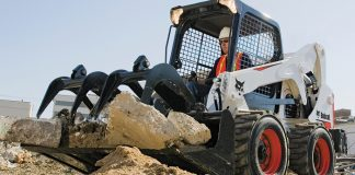 bobcat-skid-steer-loader-grapple-construction-site-safety