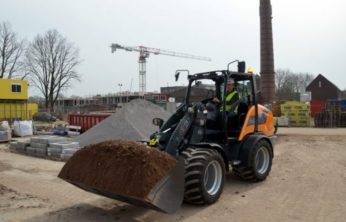 Tobroco-Giant, debuts compact wheel, utility loaders