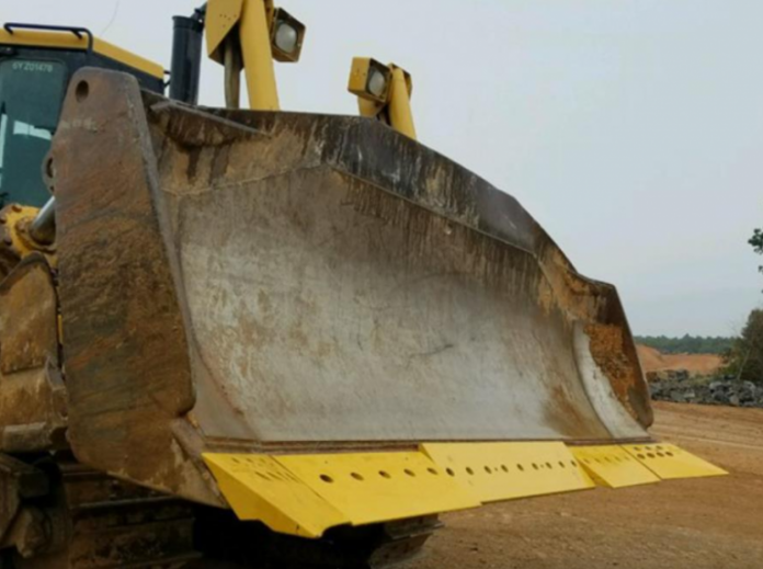"""Cat unveils the new D8T dozer: """"As easy as driving a pickup."""""""