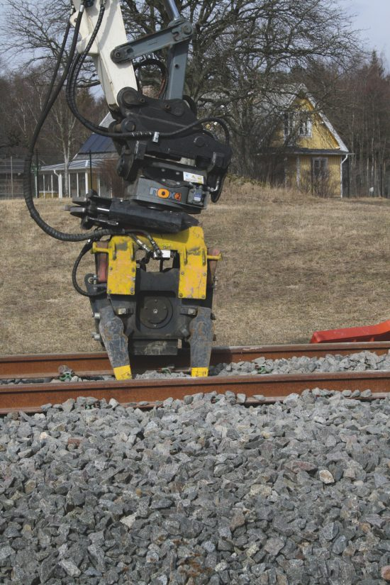 Kinshofer introduces new excavator tampers attachments for railway maintenance