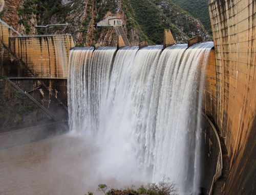 South Africa's Kouga Dam water levels drops