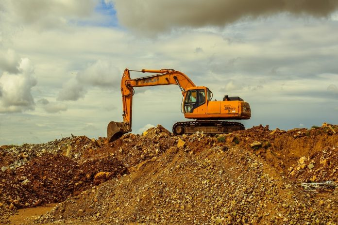 4 Tips to consider when hiring heavy equipment for your plant