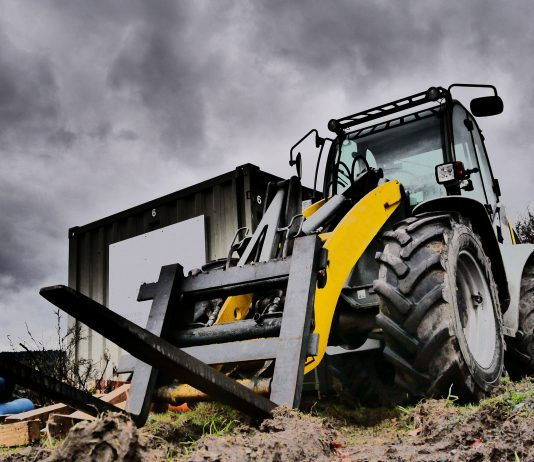How to choose the right forklift for a construction job
