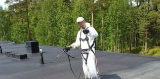 Waterproofing roof with Liquid Rubber SprayGrade