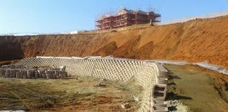 Fibertex - Secugrid geosynthetic geogrid reinforcement for retaining walls at Reddam College, Ballito