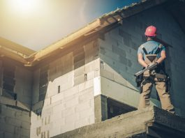 4 significant qualities of an excellent commercial roofing contractor