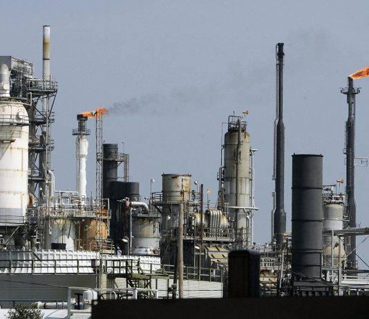 South Africa to construct an oil refinery and petrochemical complex