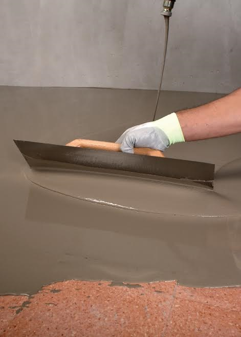 Self-levelling cementitious compounds for modern floors
