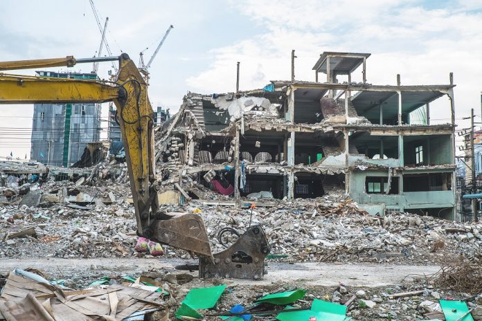 Choosing the right commercial demolition services