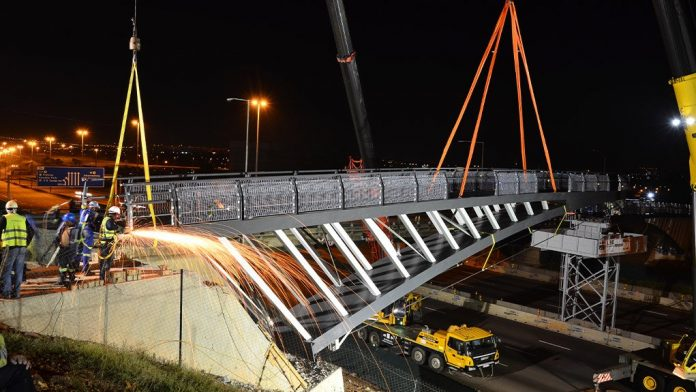South Africa's N1 highway pedestrian bridge soon to be complete