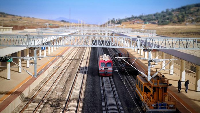 Egypt prepares to set up a new railway station in Giza