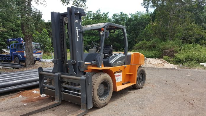 7 types of Forklifts used in construction
