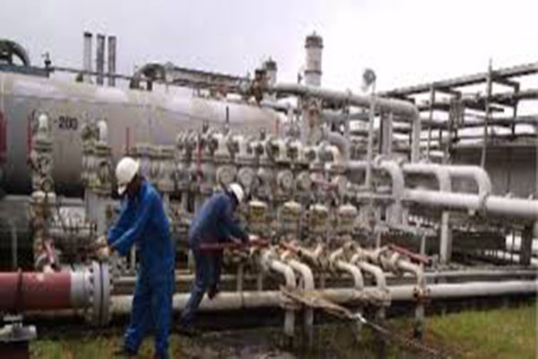 Uganda to construct its first oil refinery