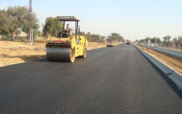Construction of Kanyemba-Mahuwe highway in Zimbabwe on track