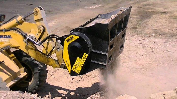 9 tips to use your skid steers, loaders, backhoe loaders to their fullest