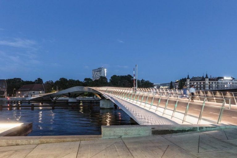 Corniche-side River Marina and Pedestrian Bridge to be constructed in Cairo, Egypt