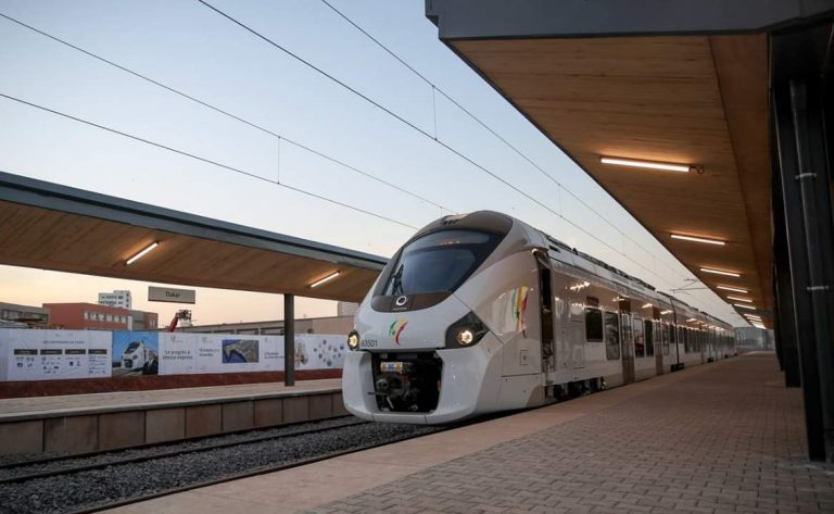Agreement signed in favor of project to improve Egypt's railway system